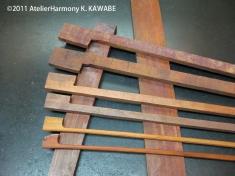 弓の材料・ヘルナンブコ この角材から弓のスティックを削り出します。