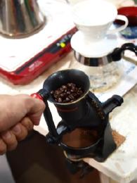 英国の元祖コーヒーミルの復刻版