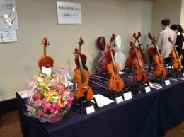 福岡/アクロス楽器ふぇすた 日本人製作家の楽器コーナーで作品を見て頂きました。