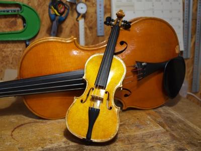我が子用に作った1/64バイオリン