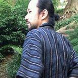 平塚 謙一