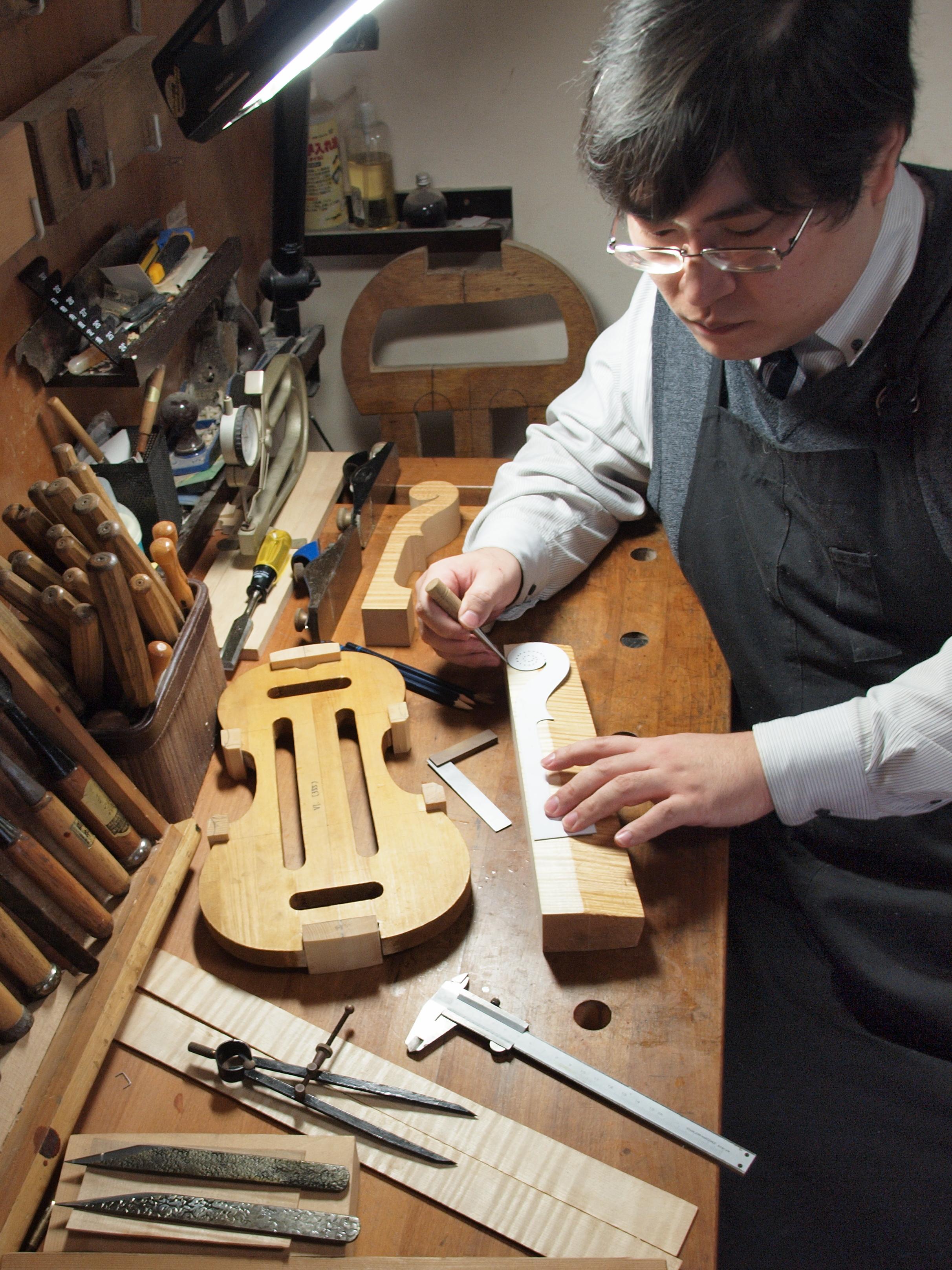 写真3「木工の日々」
