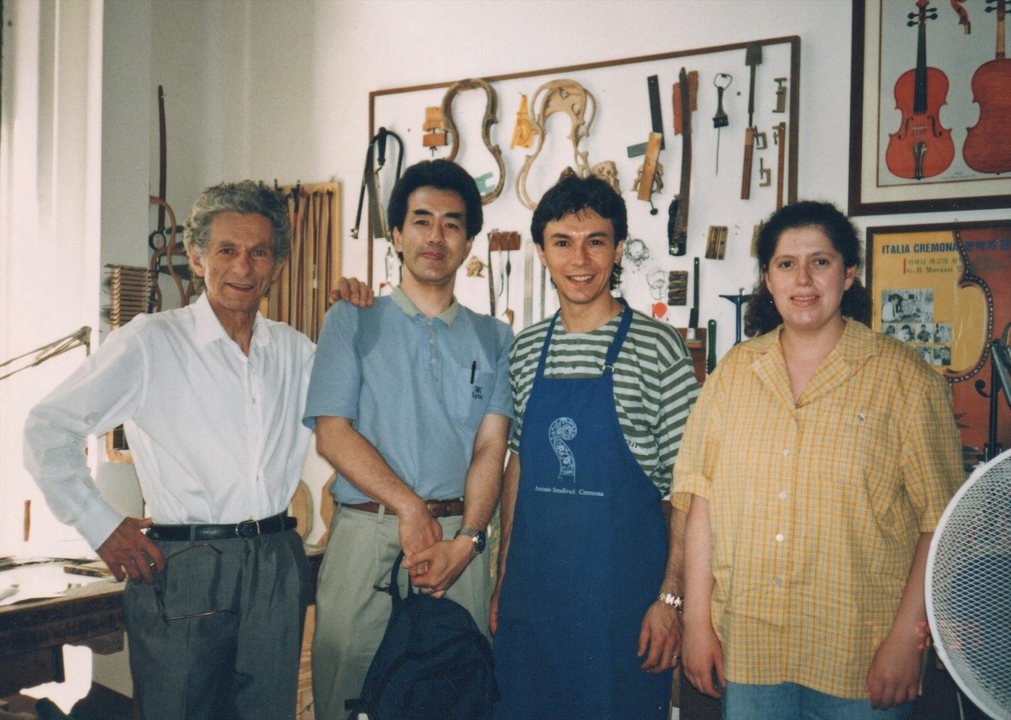 1999年、マエストロ・モラッシーとシメオネさん、弟子のステファーニャさんとともに
